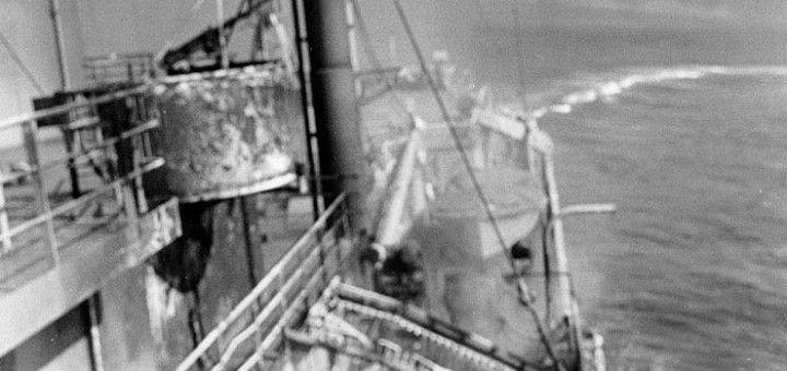 Либерти уклоняется от торпеды